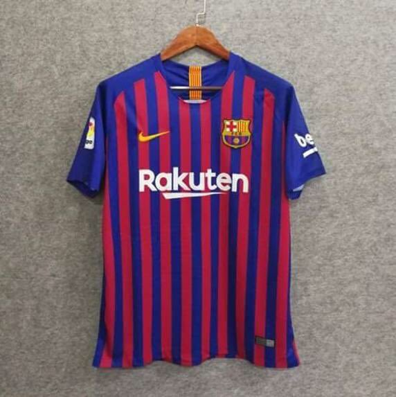 FC Barcelona 2018 19 Home Kit This fake jersey gives an impression how  Barca s new kit will look like in real life. The collar is wrong colored and  the ... 8fa904d7f