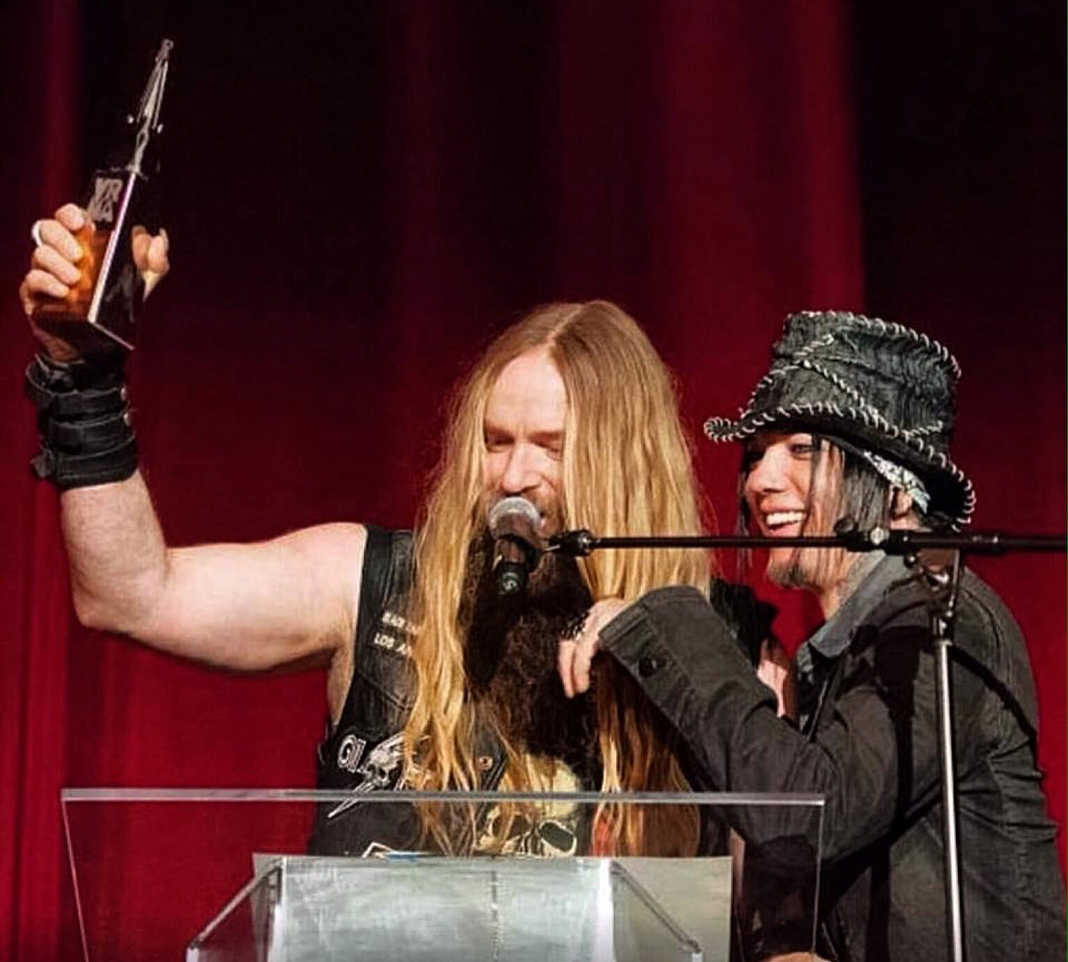 *Happy Birthday Zakk Wylde* Photo : Zakk Wylde & Dj ASHBA   Photo © Wayne Posner