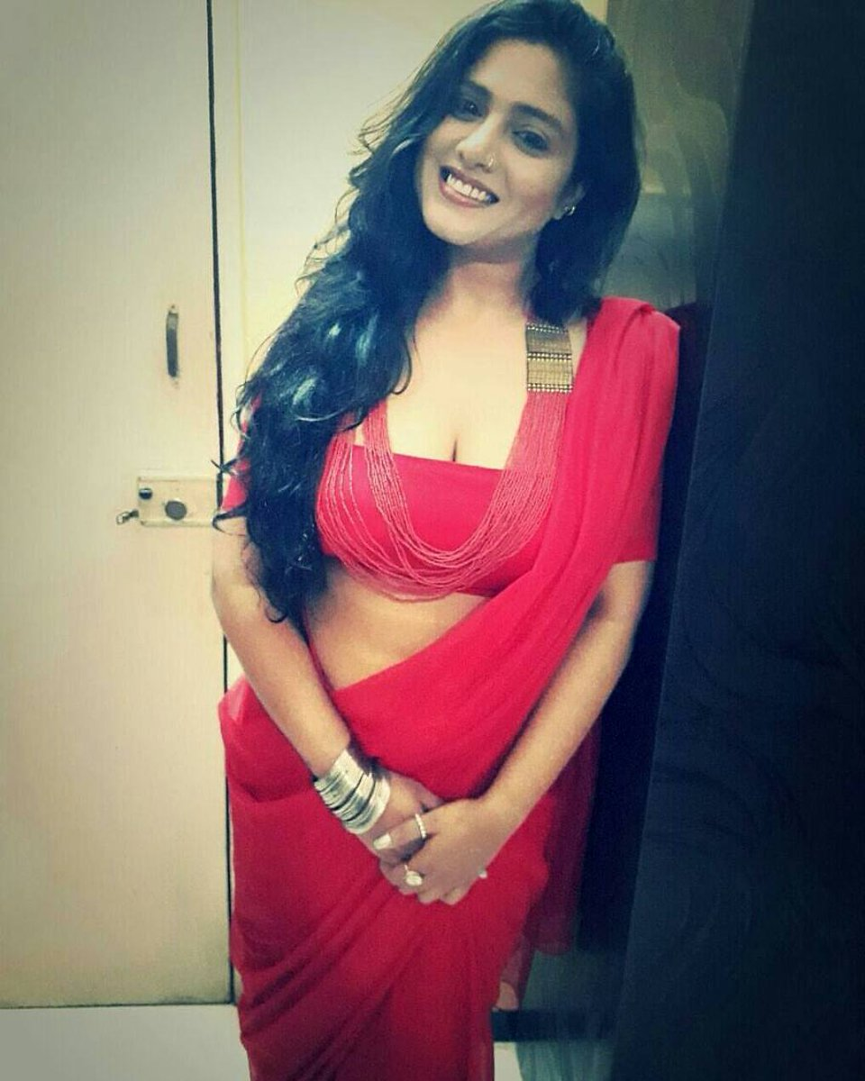 saree in Desi Boobs