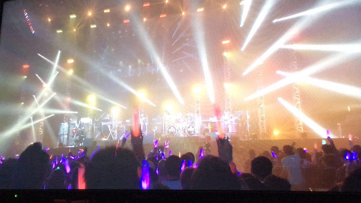 ガルパーティ&ガルパライブ2日目ありがとうございました\( ˆoˆ )/ほんとにパーティ!な楽しい2日間だったね!5thシングル、1stアルバムと楽しみ盛りだくさん!今年も狂い咲いていこ〜!🌹 #バンドリ #ガルパ