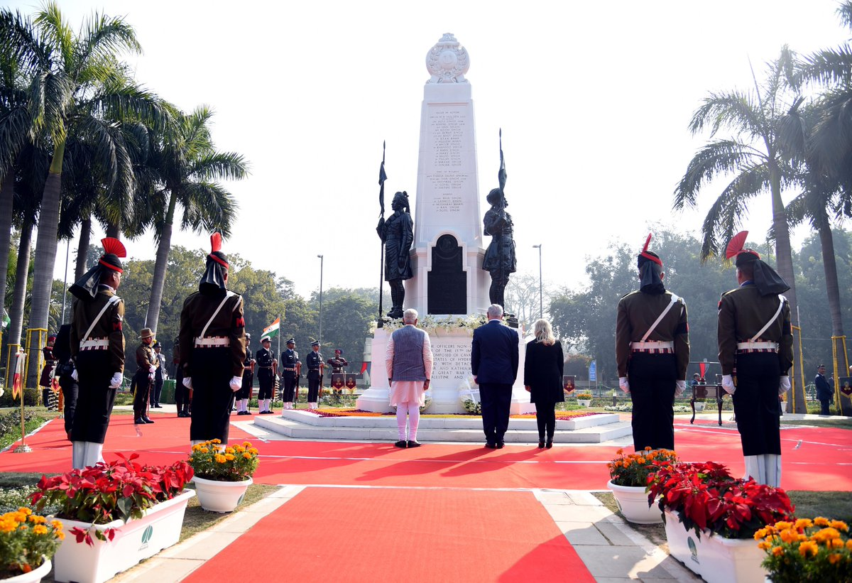In the presence of PM @netanyahu, paid tributes to the brave Indian soldiers who fought at Haifa. The spot where we commemorate their sacrifice will now be called Teen Murti - Haifa Chowk.
