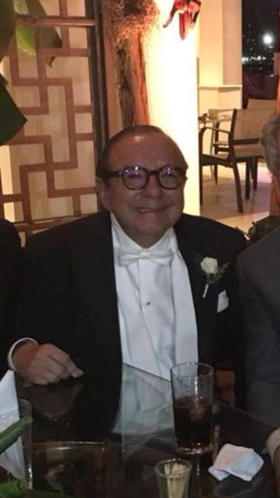 RT @Bleu__: A fin sucedió. Alvarito se convirtió en el muñequito de Monopolio. https://t.co/8KqibcuCD7
