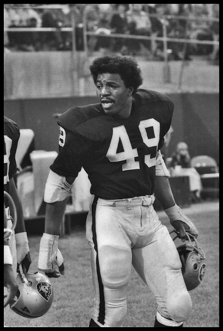 Happy birthday to former LB Carl Weathers, January 14, 1948.