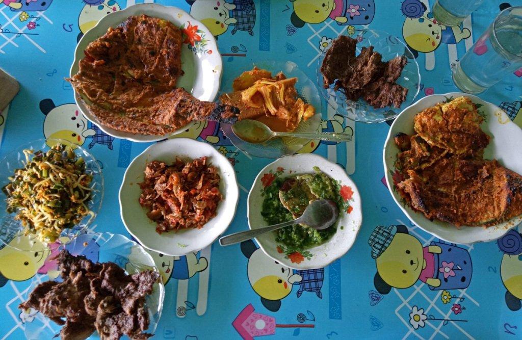 10 Reasons Why Padang & Bukittinggi are Food Heaven https://t.co/jJVTzWDKgE https://t.co/donewT2lzN