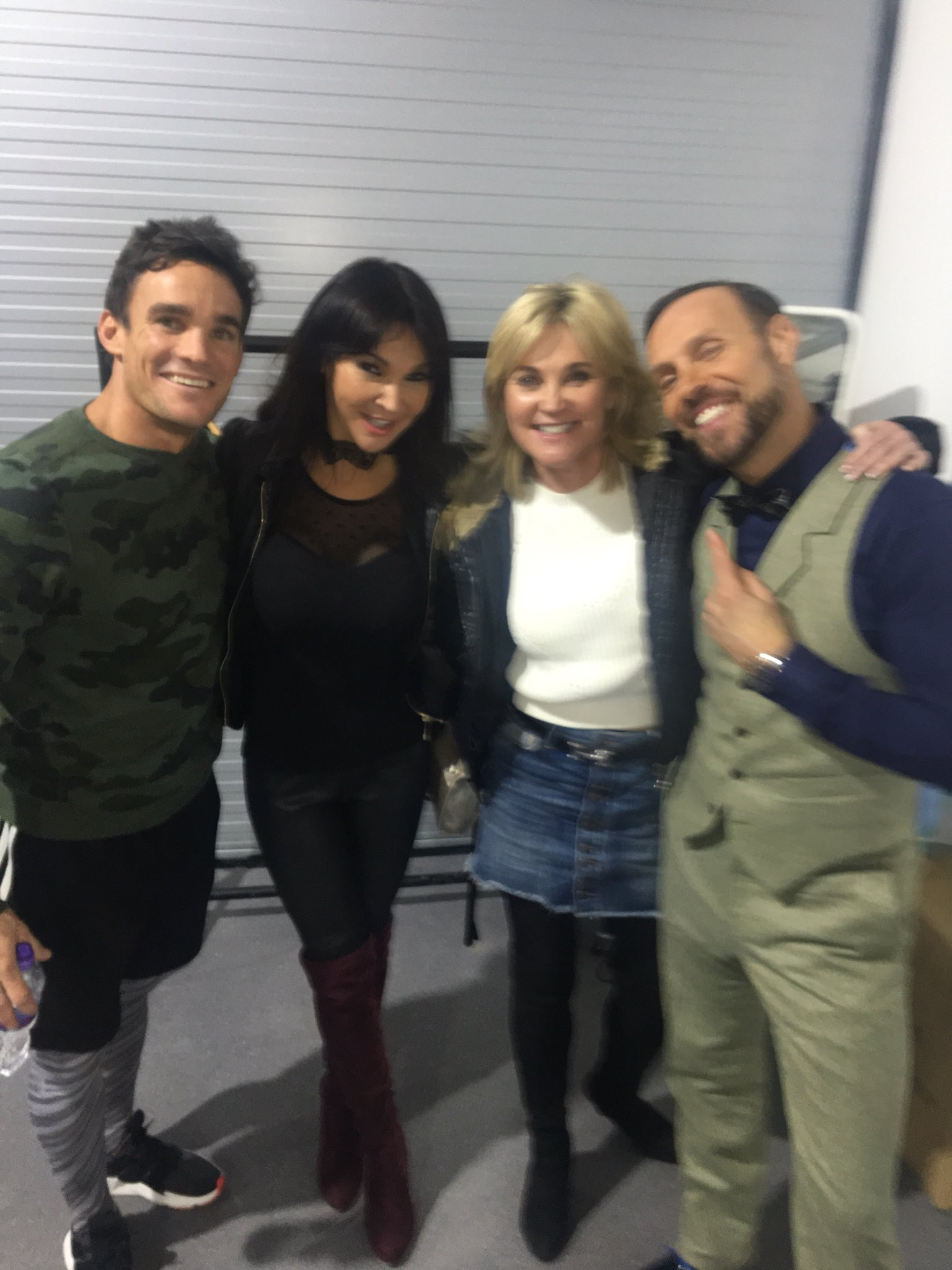 The stars of @dancingonice @maxevans13 @officialJasonG @AntheaTurner1 #fun #friends 💞 https://t.co/2VmbEqsbpi