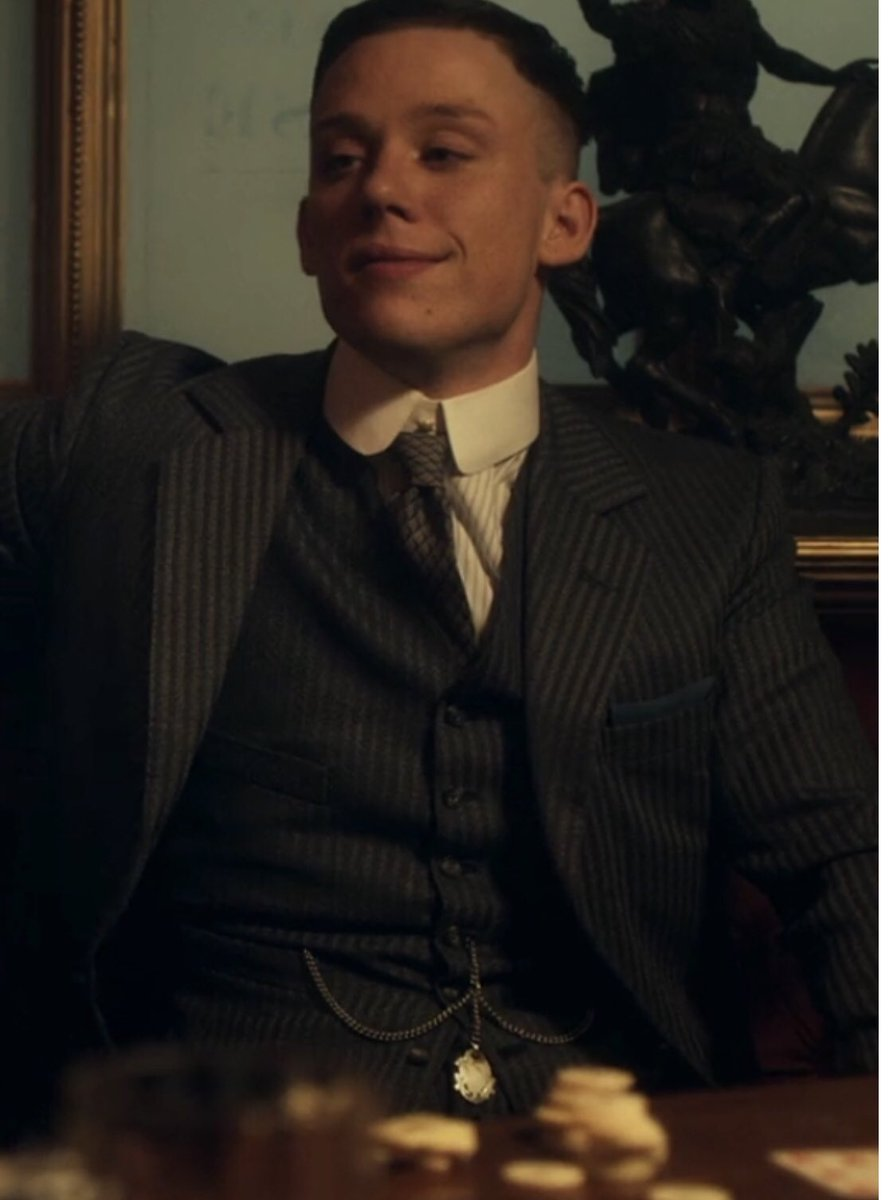 RT @lisa_erskinex: Can't just be me that pure fancy's the fuck out of John Shelby 😍😍😍😍oya https://t.co/KG9Csi1BoW