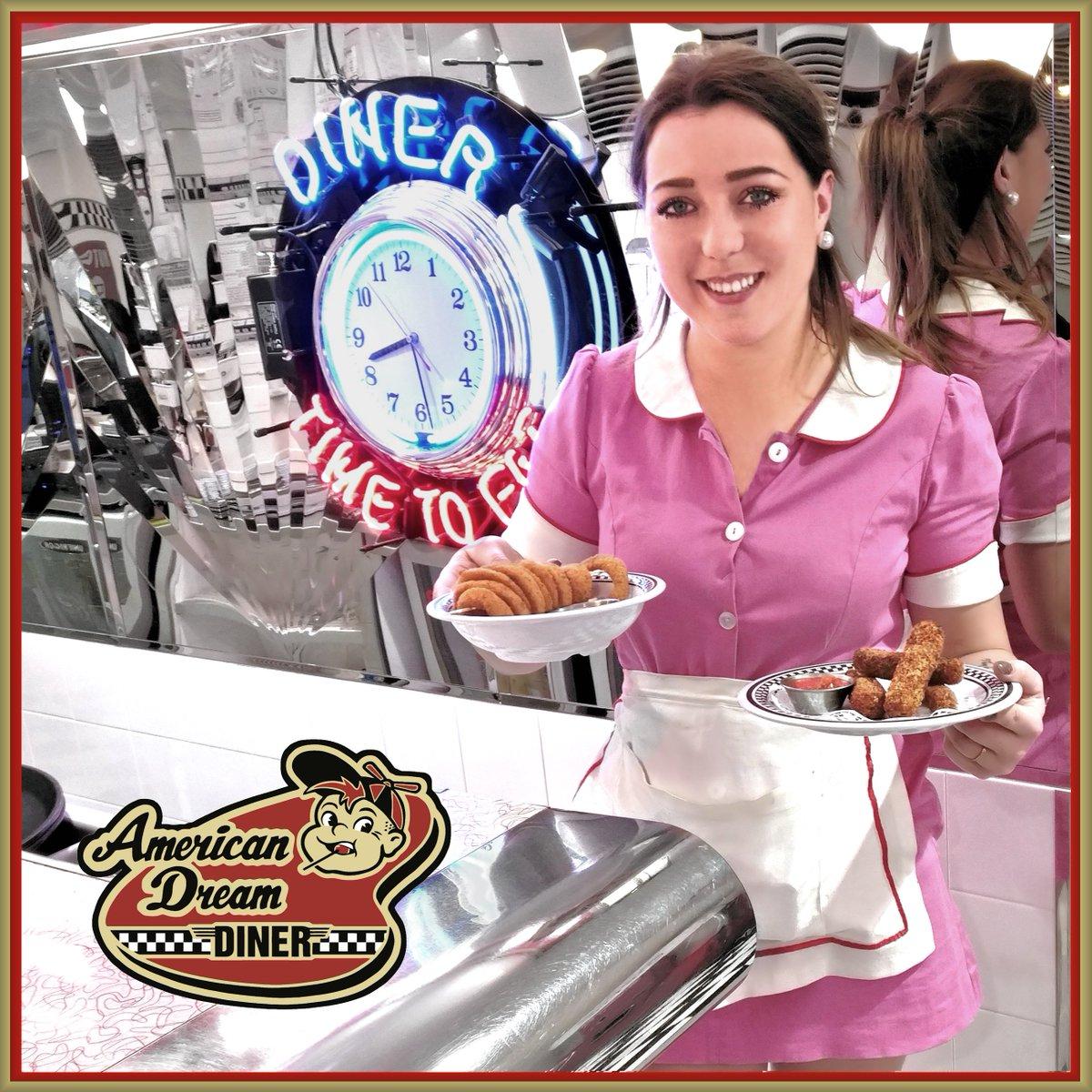 American Dream Diner On Twitter Gouter La Difference Du Fait Maison Onion Rings Anneaux D Oignons Enrobes D Une Chapelure Croustillante A Souhait Fait Maison Vegan Cheese Sticks Sticks
