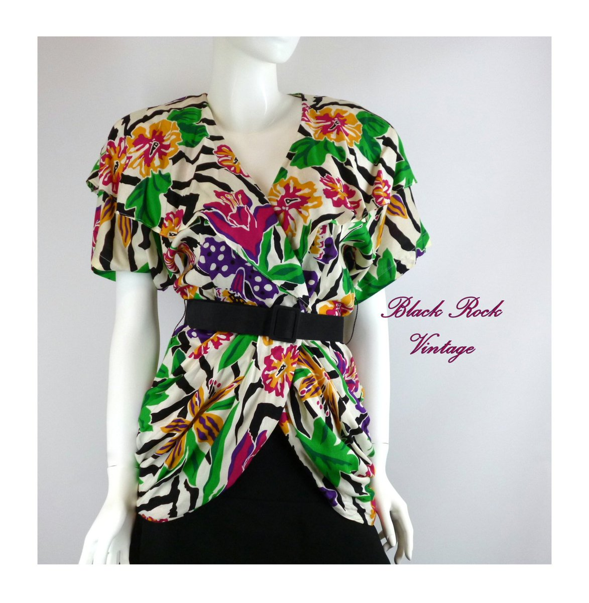 Floral Jacket Tropical Print, Jewel Tones Shawl Collar, Vintage 80… http://etsy.me/2rvVE76 #CheapChic #DrapedBlouse pic.twitter.com/Ahqa7FQwAs