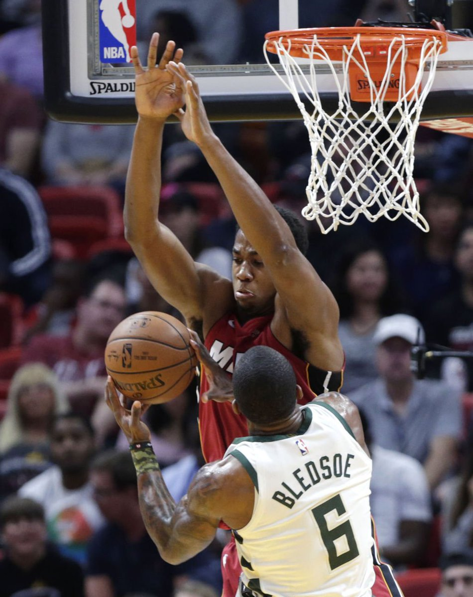 Bucks: Milwaukee shoots a paltry 32 percent in loss to Miami Heat host.madison.com/wsj/sports/bas…