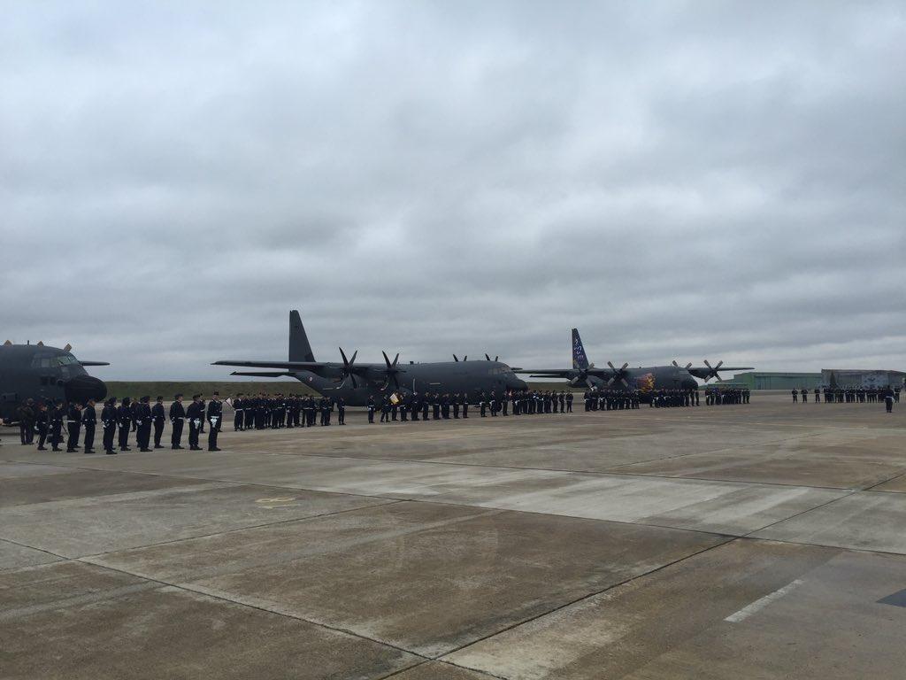 أول طائرة C-130J Super Hercules تنضم لجناح النقل الجوي بالقوات الجوية الفرنسية DTk0GsRX0AAIIIv