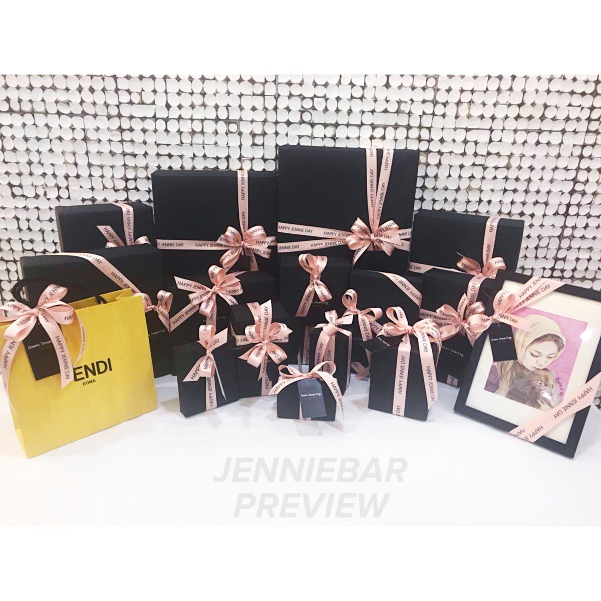JENNIEBAR On Twitter 2018 JENNIE BDAY GIFT The Gifts Were Delivered And Received By YG Today HappyJendeukieDay BLACKPINK