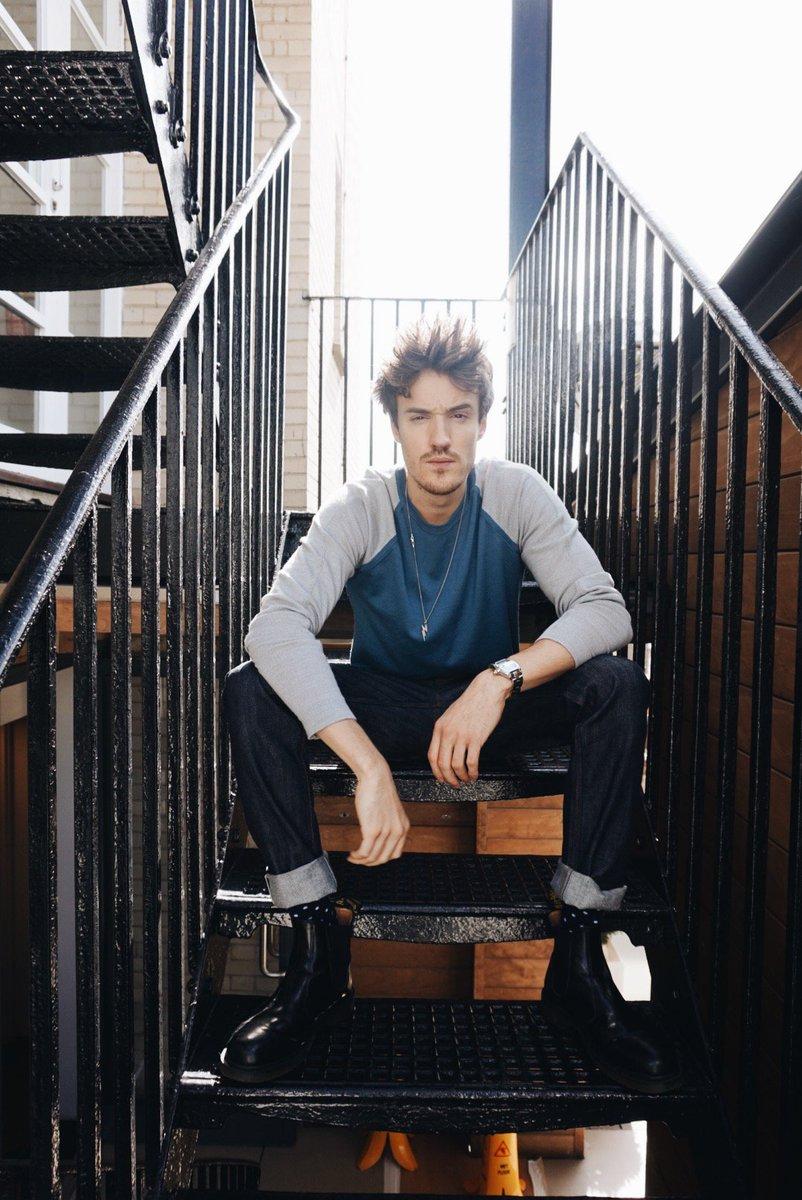 DJ @james_stew wearing Colour Block Merino Wool Sweater – Now: £99 Was: £165 – Sale ends soon. Shop https://t.co/5M3L6tI9DU https://t.co/LiulOMWn1r