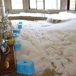 温泉に大量の泡 シャンプー投入の少年2人を逮捕 →昨年、和歌山県新宮市の温泉施設「熊野川温泉さつき」…