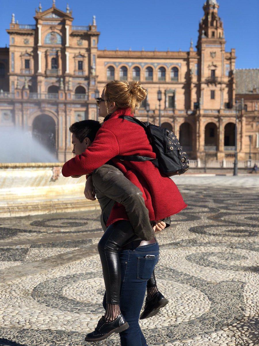 Sevilla con mi princesa ! @anajaramartin...