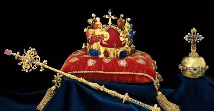 Centrulceh On Twitter Symbols Of The Power Of Czech Rulers
