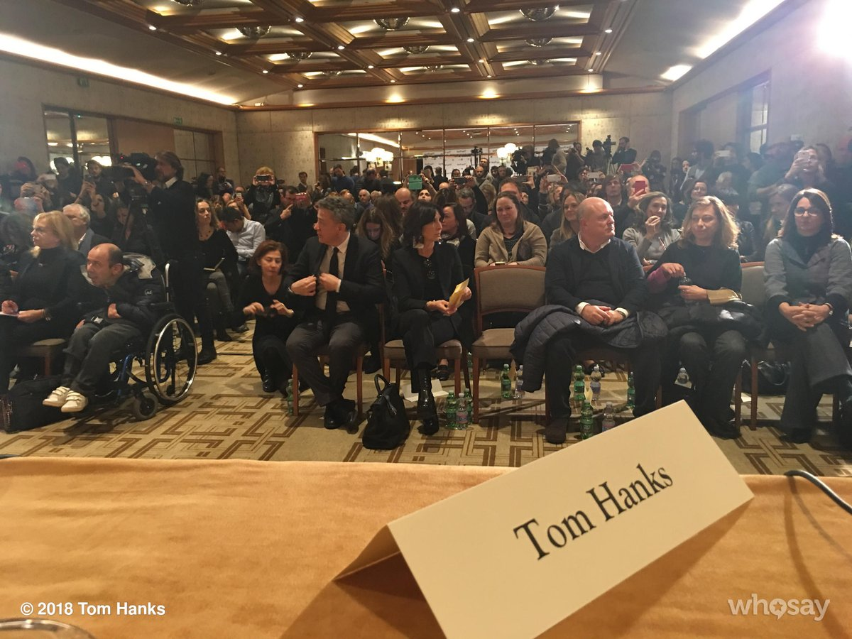 RT @tomhanks: What an actor sees on a Junket in the city of Milan. Hanx! https://t.co/RPA0g0fnLJ
