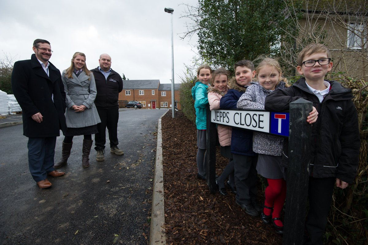 test Twitter Media - The grand unveiling! Pupils from Shillington Lower School reveal the name they chose for a new road in Shillington, Beds, which has nine much-needed brand new homes for shared ownership & affordable rent https://t.co/2FDYBpSBxL https://t.co/oWSOh9UQeV