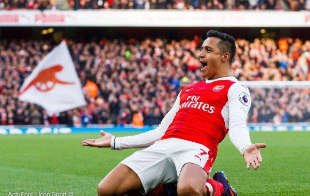 Selon Daily Telegraph, Arsenal serait en contact avec Dortmund pour Pierre-Emerick Aubameyang. Alexis Sanchez devrait rejoindre Manchester United en même temps.