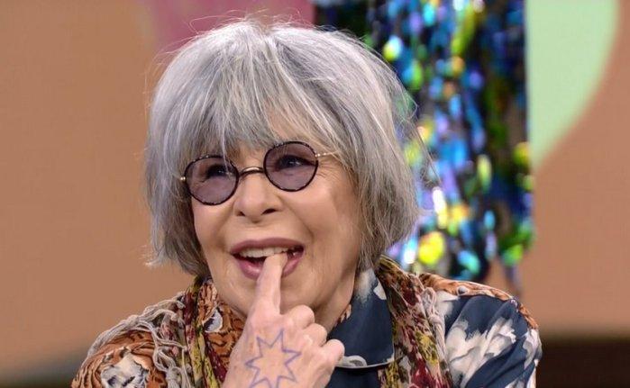 Aos 70 anos, Rita Lee posta foto de biqu...