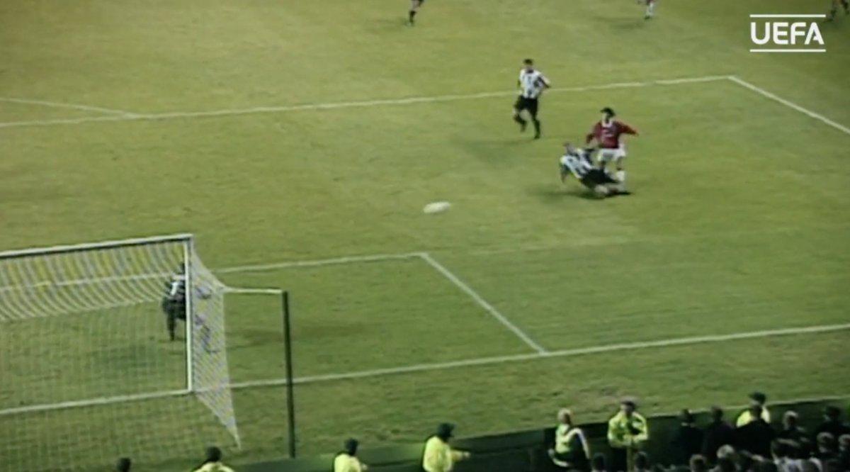 🔥🐉🎥 L'indimenticabile gol di #Giggs alla Juventus 🎥 VIDEO 👉 https://t.co/CiLLMeRjZ1 #UCL