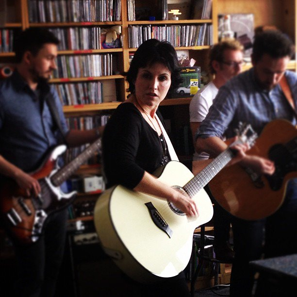 Here S A Of Photos I Took Dolores And The Band During That Tiny Desk Concert In Npr Old Office Yes Was Standing