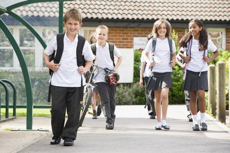 Pais e estudantes devem preparar a rotina para o retorno às aulas. Como estão os preparativos aí na sua casa? Confira algumas dicas: https://t.co/0Kw2WuXpNo