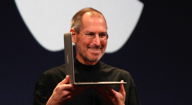 Steve Jobs unveiled the #MacBookAir - and #Apple's future - 10 years ago today https://t.co/r9vudFl4bL