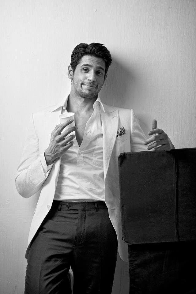 Here's wishing the handsome hunk @S1dharthM a very happy birthday.   #HappyBirthdaySidharthMalhotra