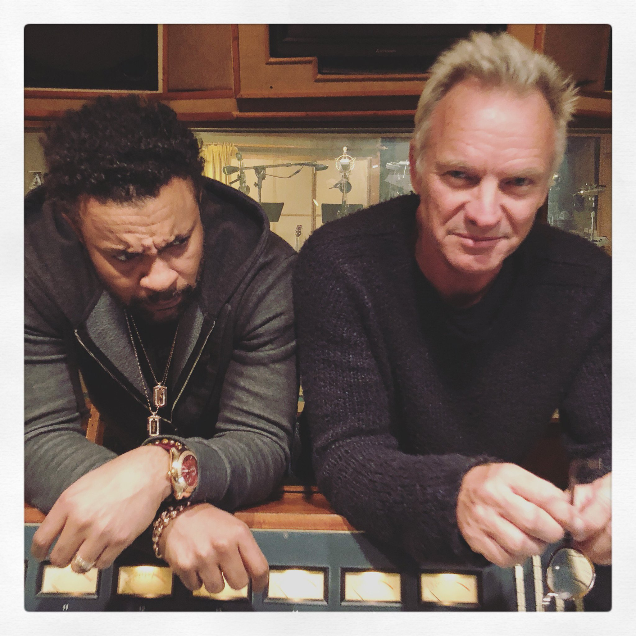Having fun with @DiRealShaggy in the studio. Photo by @MKCherryBoom https://t.co/h5pzWbWIWE