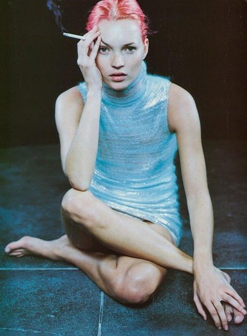 Happy birthday Kate Moss! Here giving a masterclass in pink hair, in a 1998 shoot by Juergen Teller for Vogue.