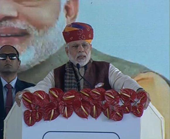 PM Shri @narendramodi is addressing a public meeting in Barmer, Rajasthan. https://t.co/ytO6JvxBLr #PMInRajasthan