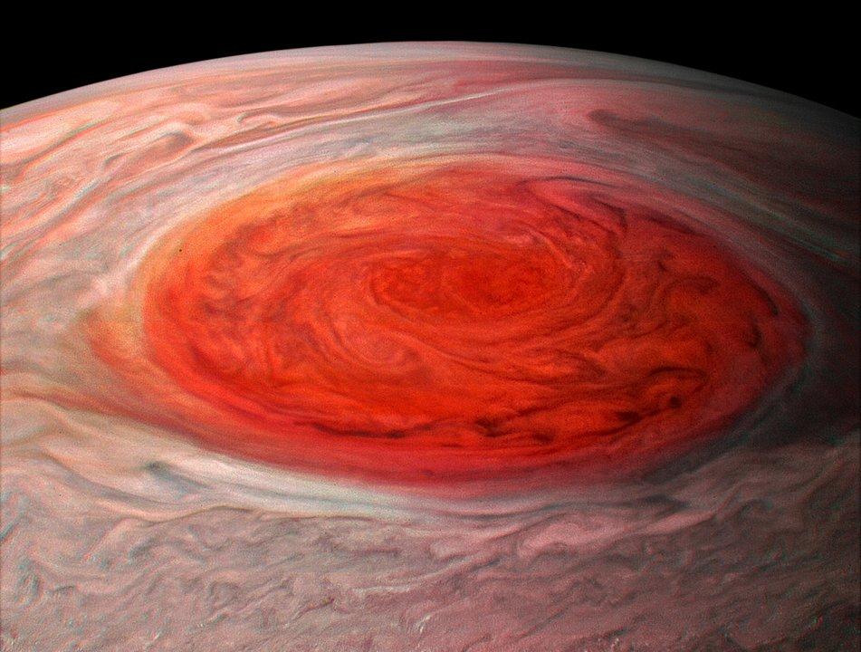 adada617dd59b 写真左が木星探査機ガリレオ(1996年6月)、右がジュノー(2017年7月)が撮影した画像。http   tinyurl.com ydh4ha46   木星探査機  大赤斑  Junopic.twitter.com  ...