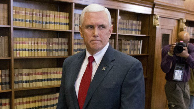 Pence turned red-faced as pastor condemned Trump's 'shithole countries' comments during sermon: report https://t.co/KajEq3sCfJ
