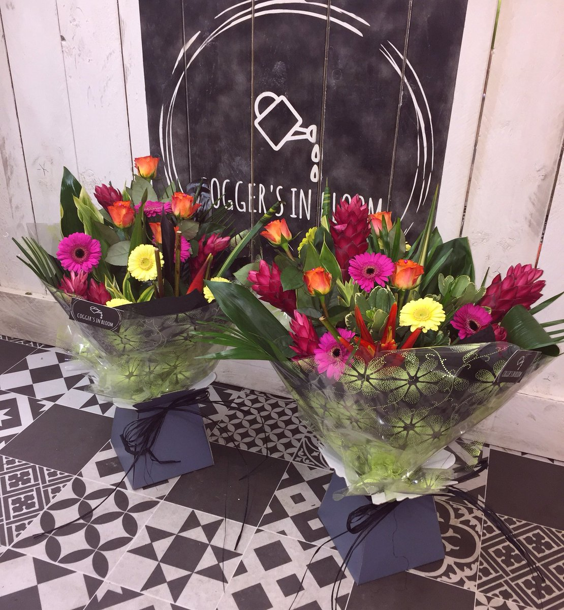 Coggers in bloom on twitter two stunning exotic hand tied 706 am 16 jan 2018 from walthamstow london izmirmasajfo