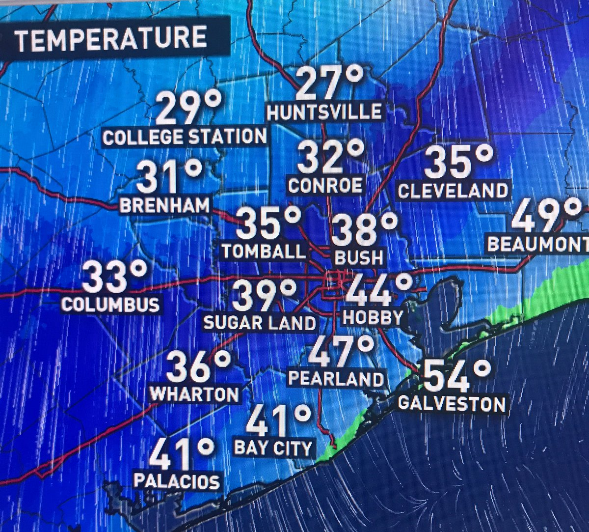Front offshore... temps are dropping FAST!!!! The rain.. wintry mix falling now could turn to ice. Major impacts across the area come Lunchtime and afternoon. #HoustonWeather #WinterStormWarning if you can don't get on the roads <br>http://pic.twitter.com/v2100GBHVP
