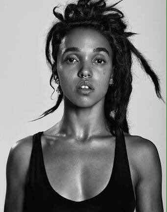 Happy Birthday FKA Twigs, Aaliyah, Kate Moss & Sade! So happy share a birthday with these legends. Xxx