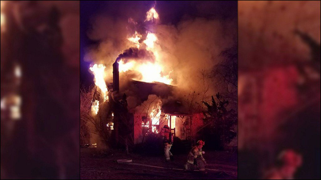 Home goes up in flames in Gloucester County https://t.co/ttyK9ReSkP