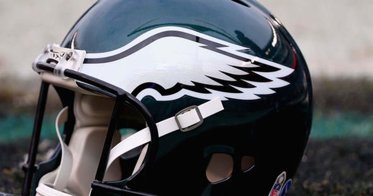 Eagles fan arrested for punching police...
