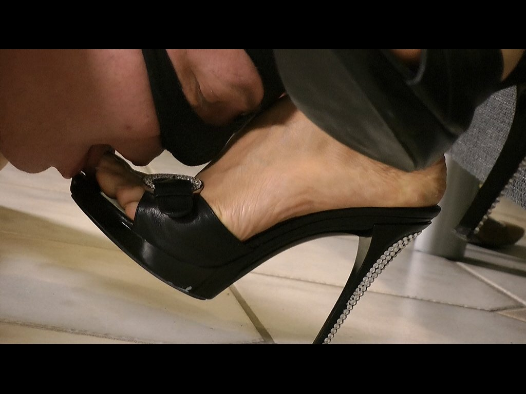 #footmistress #worship #slave #mistress...