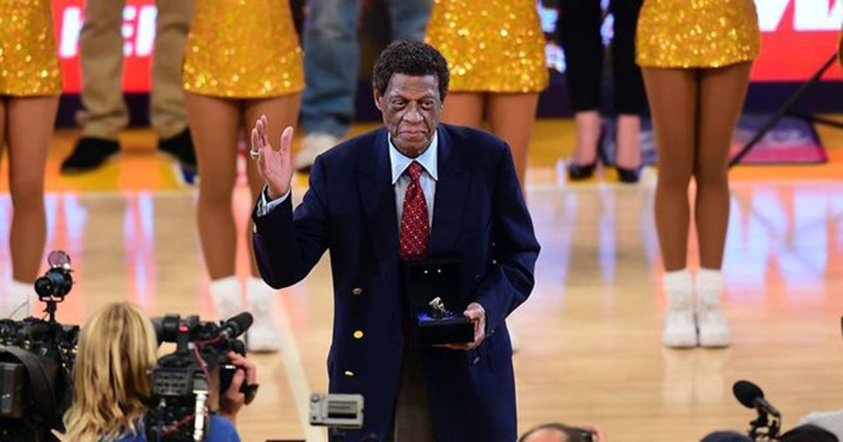 Lakers to unveil Elgin Baylor statue out...