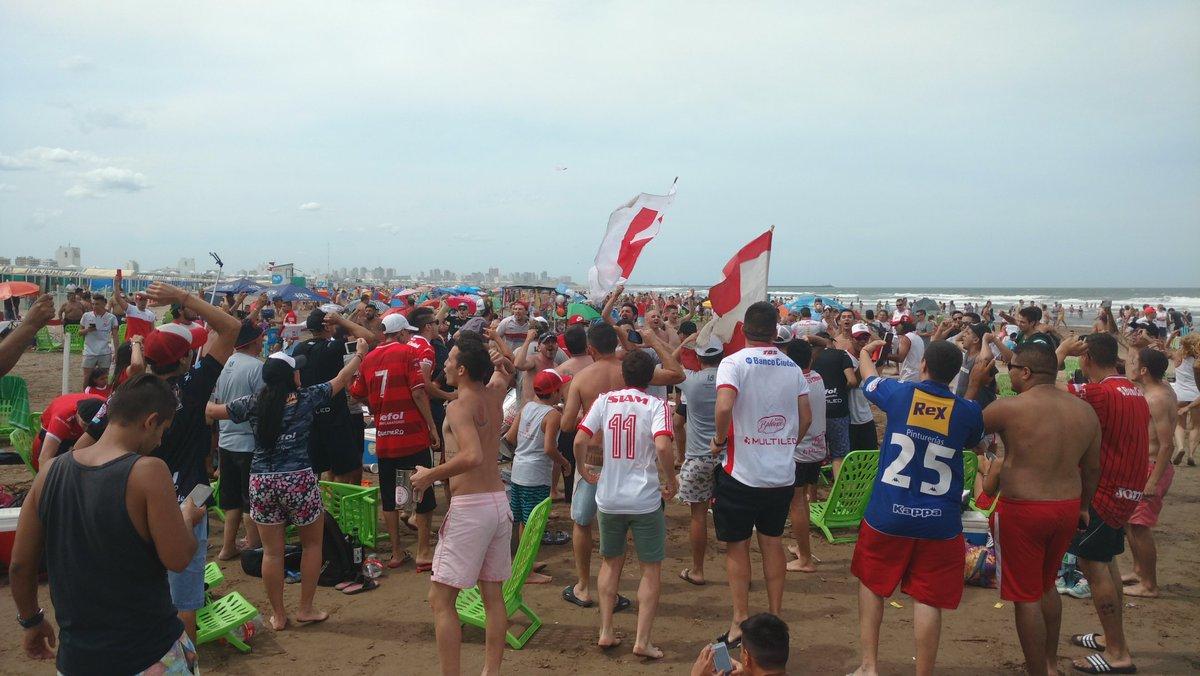 Pese a la prohibición del APreViDe, siguen los banderazos en la playa
