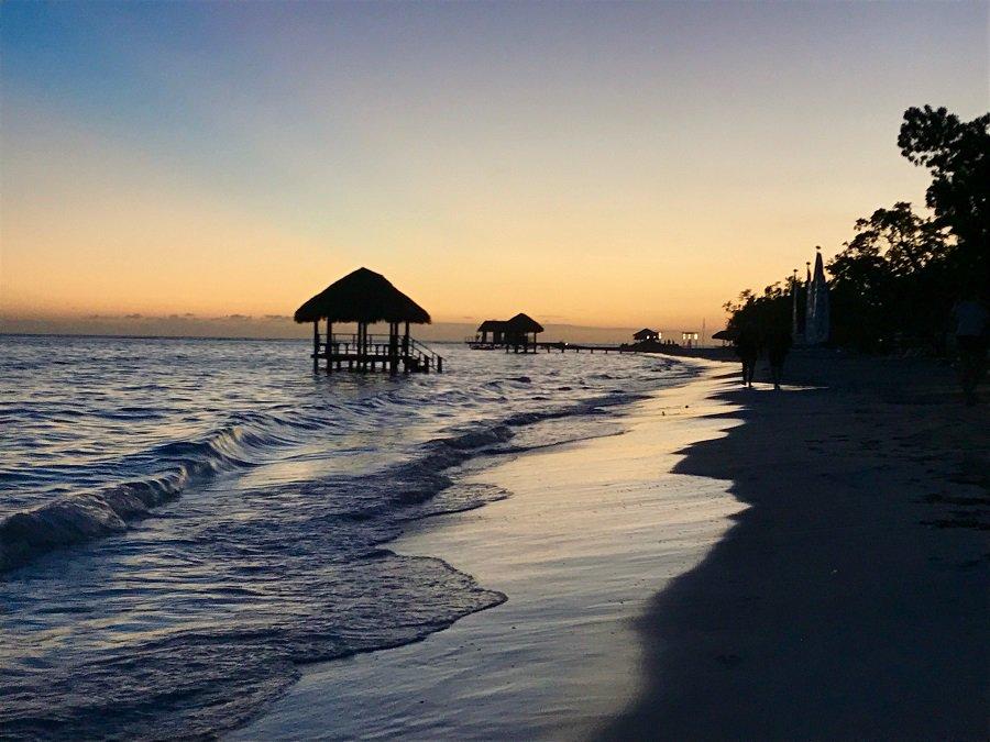 Wir Verraten Euch Aus Erster Hand Warum Auf Jamaika Eine Paradiesische Hochzeitsreise Vom Feinsten Erwartet Googl W6KzKD Foto Sven