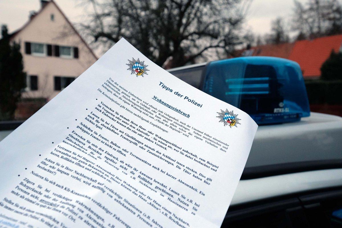 Die Gibt In #Nürnberg Tipps Gegen #Einbruch  Http://www.nordbayern.de/region/nuernberg/warnung Vor Einbrechern Polizei Geht Von  Haus Zu Haus 1.7113548 U2026 ...