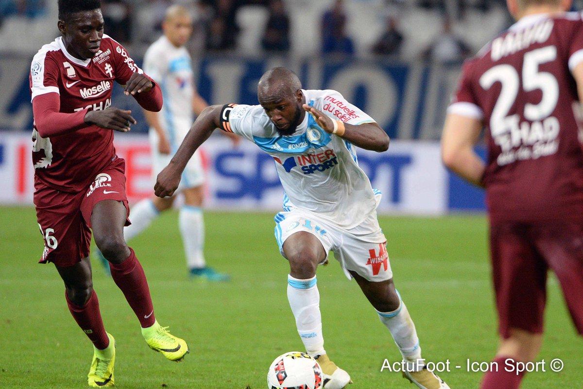 🔴 BREAKING ! L'arrivée de Lassana Diarra au PSG est imminente ! Le club de la capitale est tombé d'accord avec le joueur. (@psgunited6)