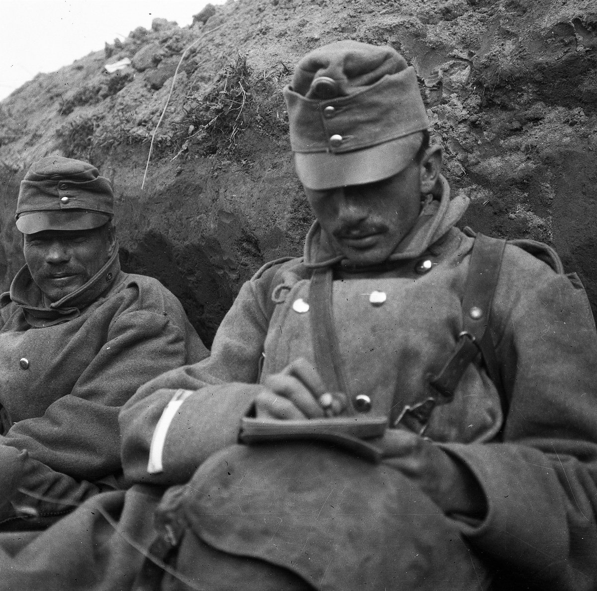 """""""My life's so little now, such a mere nothing, like a sigh that I send homewards on a sleepless night [...] Who knows when the fate that has dragged me into the 5th calender year of the war will take me home?""""- Hungarian soldier's letter home 17.1.1918  #PikeGrey #WW1 #FWW #Quote"""