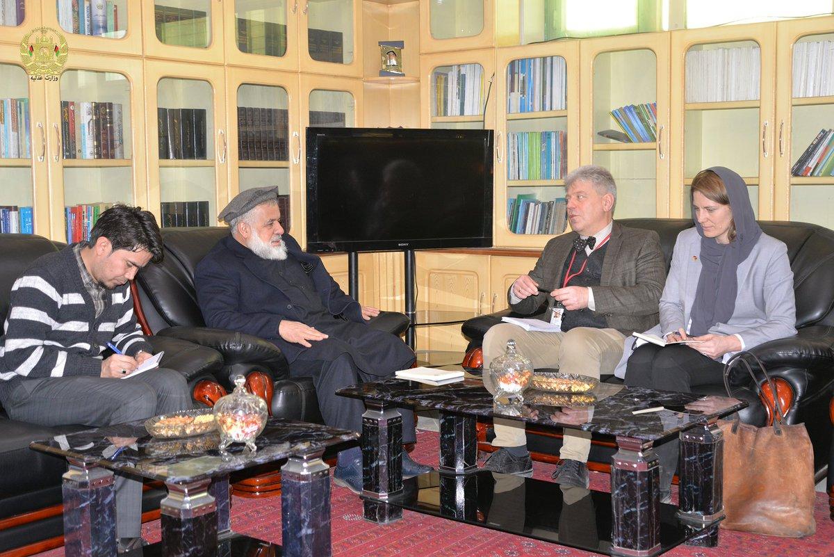 جلالتمآب دکتر عبدالبصیر انور وزیر عدلیه ج.ا.ا، با برند میسر اشمیت رییس بخش حاکمیت قانون مؤسسۀ جی.آی.زید، دیدار و گفتوگو کرد. moj.gov.af/fa/news/334922