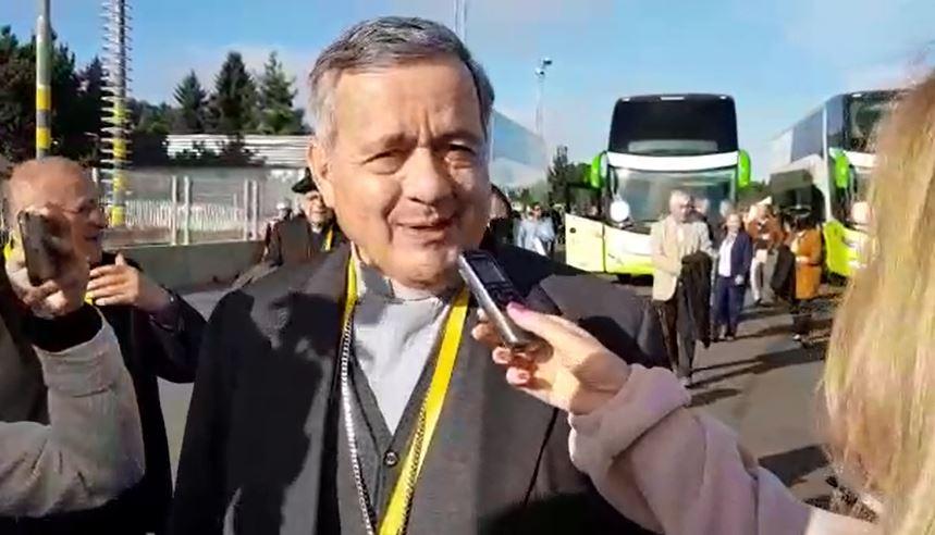 Periodista argentina encara a Barros: '¿Por qué no deja la sotana y le hace un bien a la iglesia?' https://t.co/SeS6GUqL8a #ModoFrancisco #FranciscoEnChile
