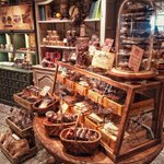 東急プラザ銀座5FにあるCACAO MARKETというチョコレート屋さん、外国の可愛いお菓子屋さんの…