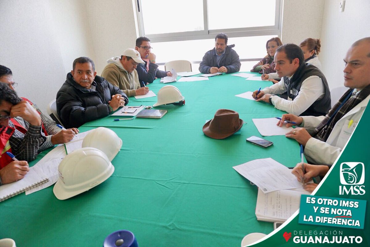 RT @SASantibanez: Reunión semanal de avance de obra y equipamiento del HGR 58 en #León. https://t.co/TCfG7Gv8NK