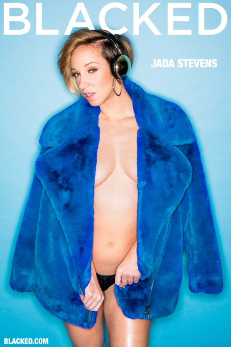 Feelin' blue? @jadastevens420's new #blacked feature will surely cheer you up! 💙 https://t.co/Oata5L